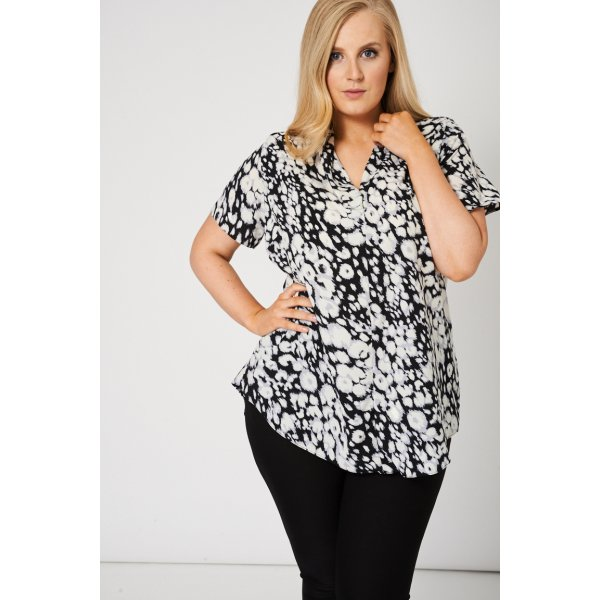 V-Neckline Abstract Print 9006 -- 100% Polyester --- select 'color' and 'size' in order remarks