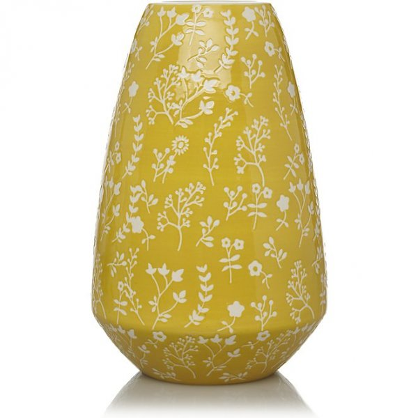 Yellow-toned ceramic